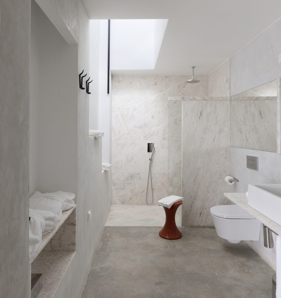 100 marble bathroom designs ideas the architects diary for Bathroom designs marble