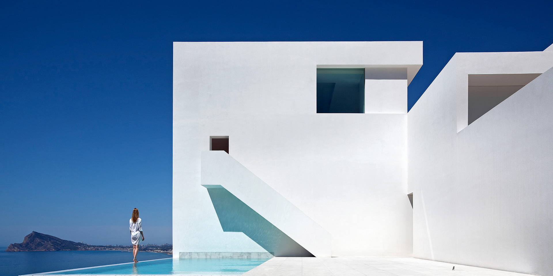 62 minimal home design around the world the architects diary for Famous minimalist buildings