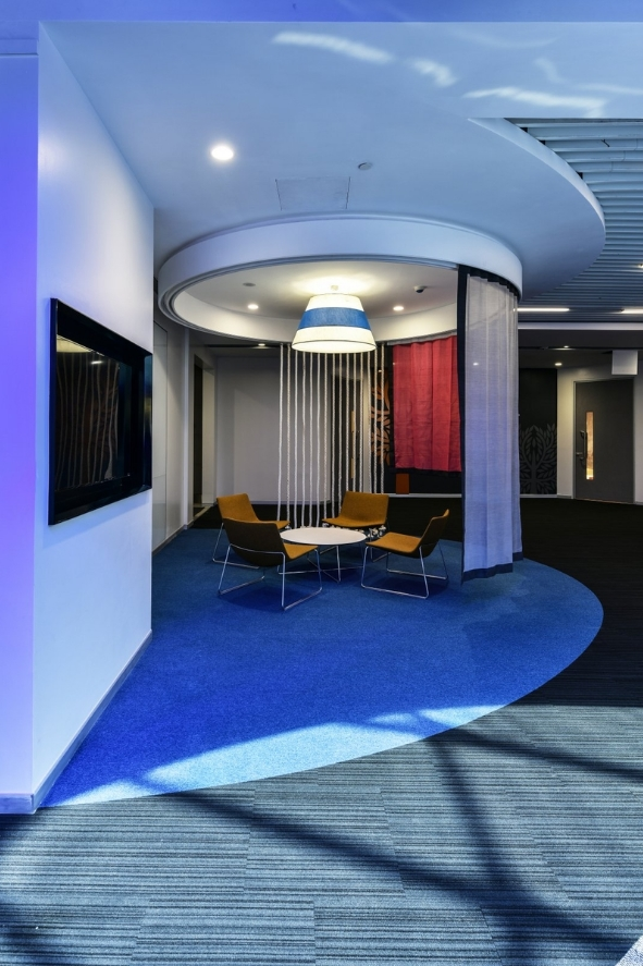 Office With Large Skylights Converts Gloomy Areas Into