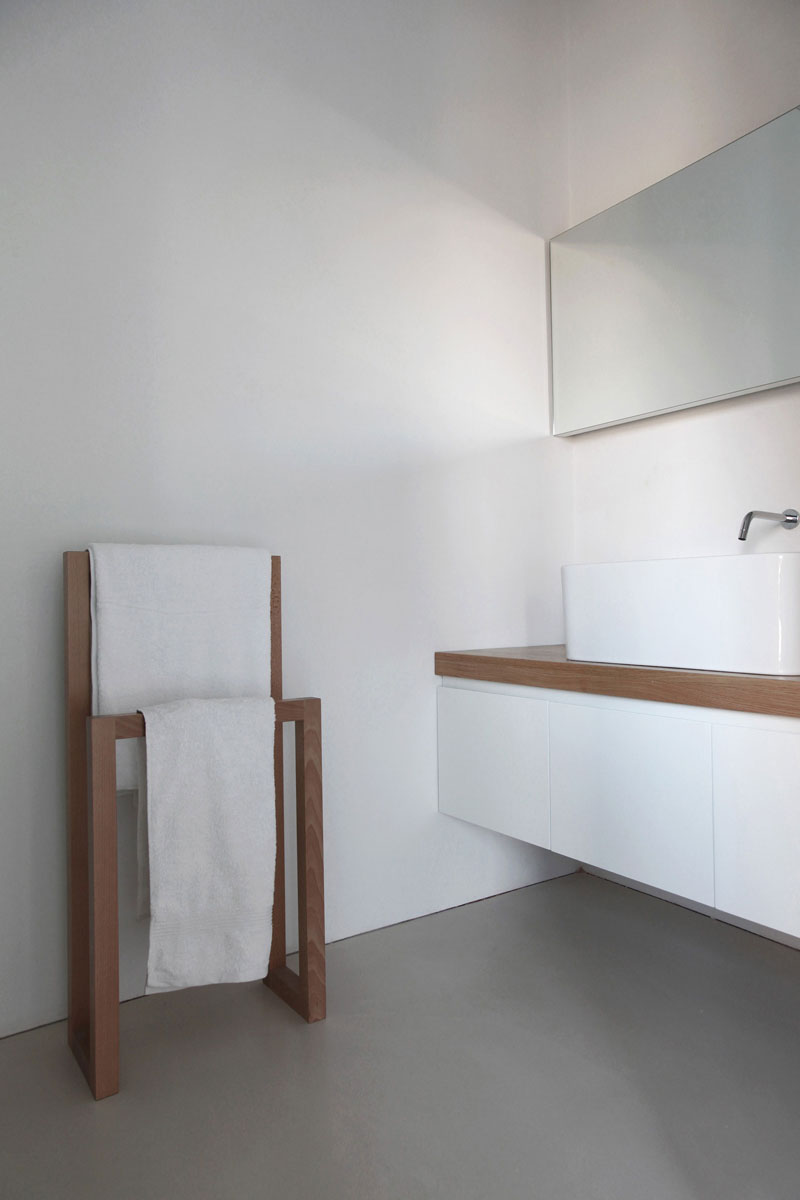 30 minimal bathroom design inspiration the architects diary for Bathroom design inspiration
