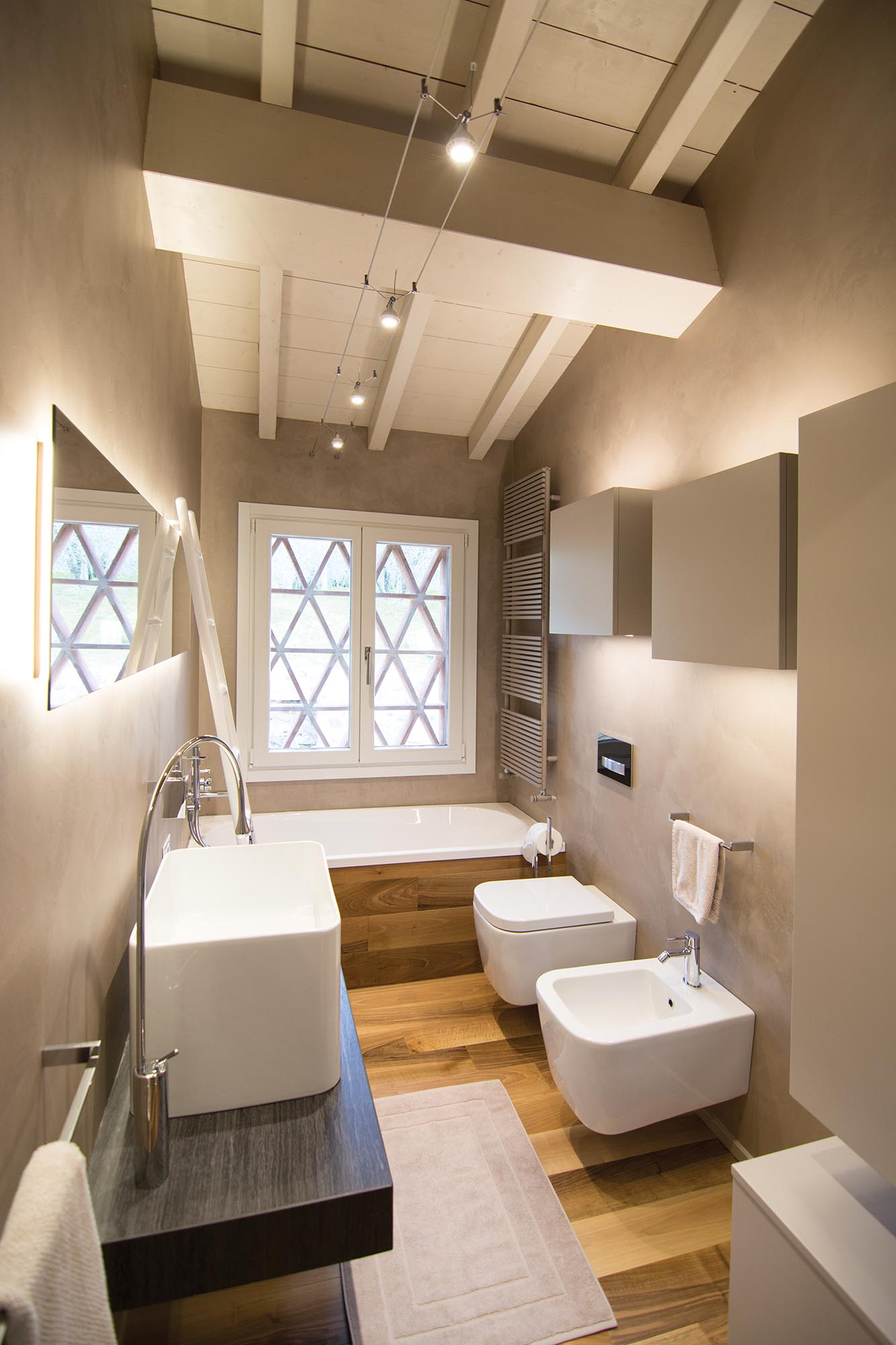Minimal interior of villa rachele biancalani for Soggiorni di design