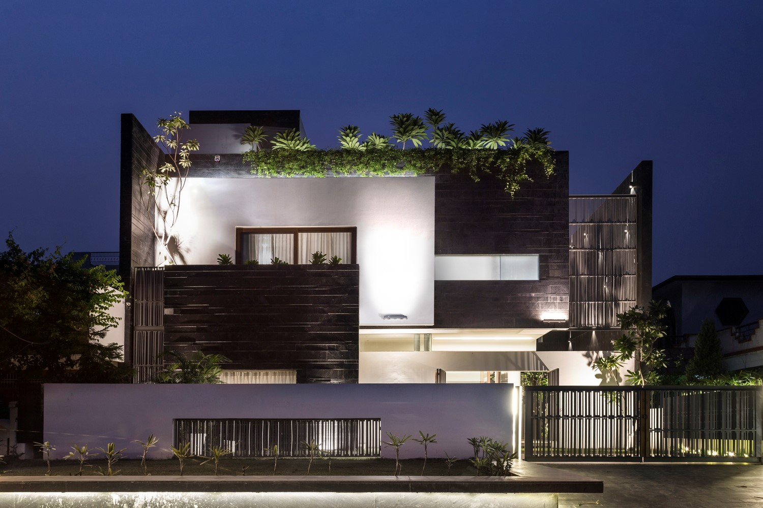 Modern contemporary residence charged voids the Modern residence