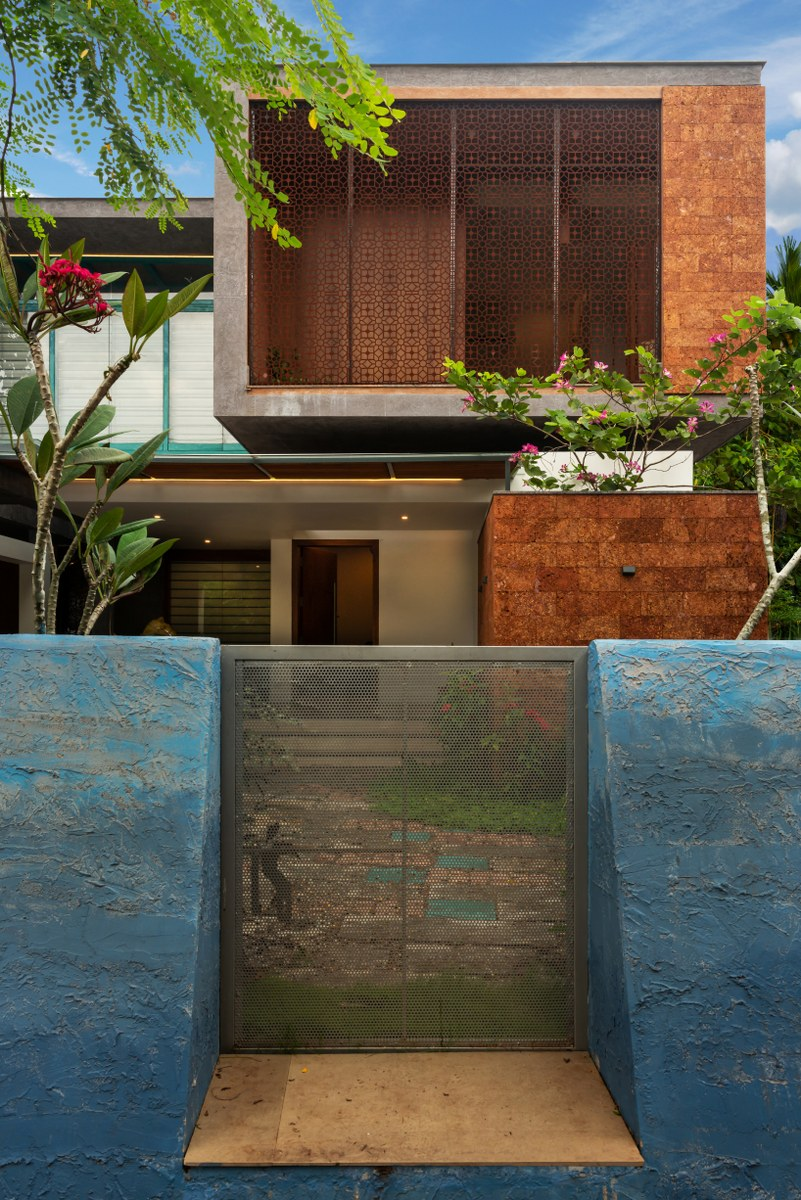 A Utilitarian House Transformed Into A Tropical Living Space No Architects Designers The Architects Diary