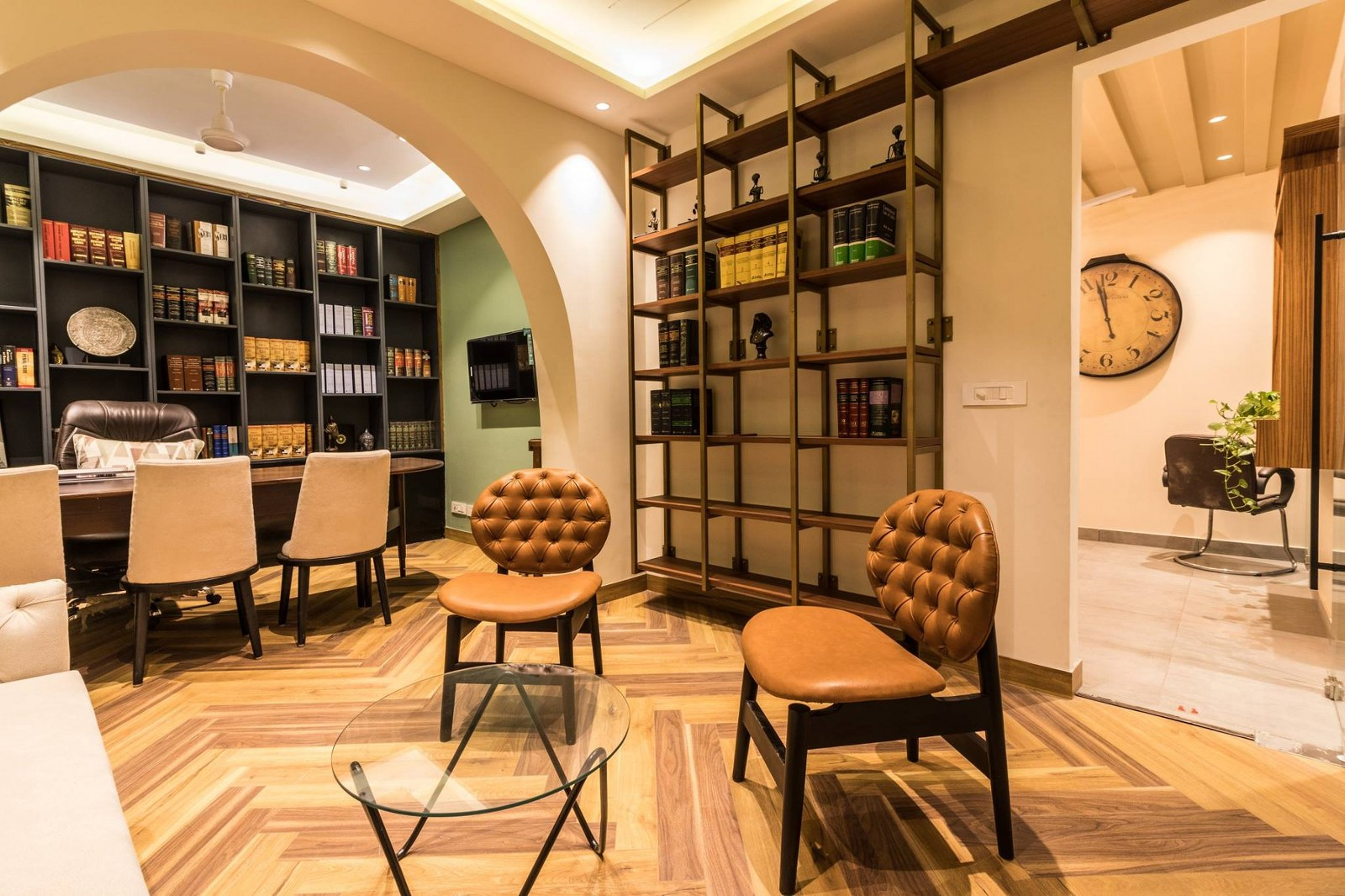 Vintage Style Advocate S Office Interior Karan Aakriti Interior Design The Architects Diary