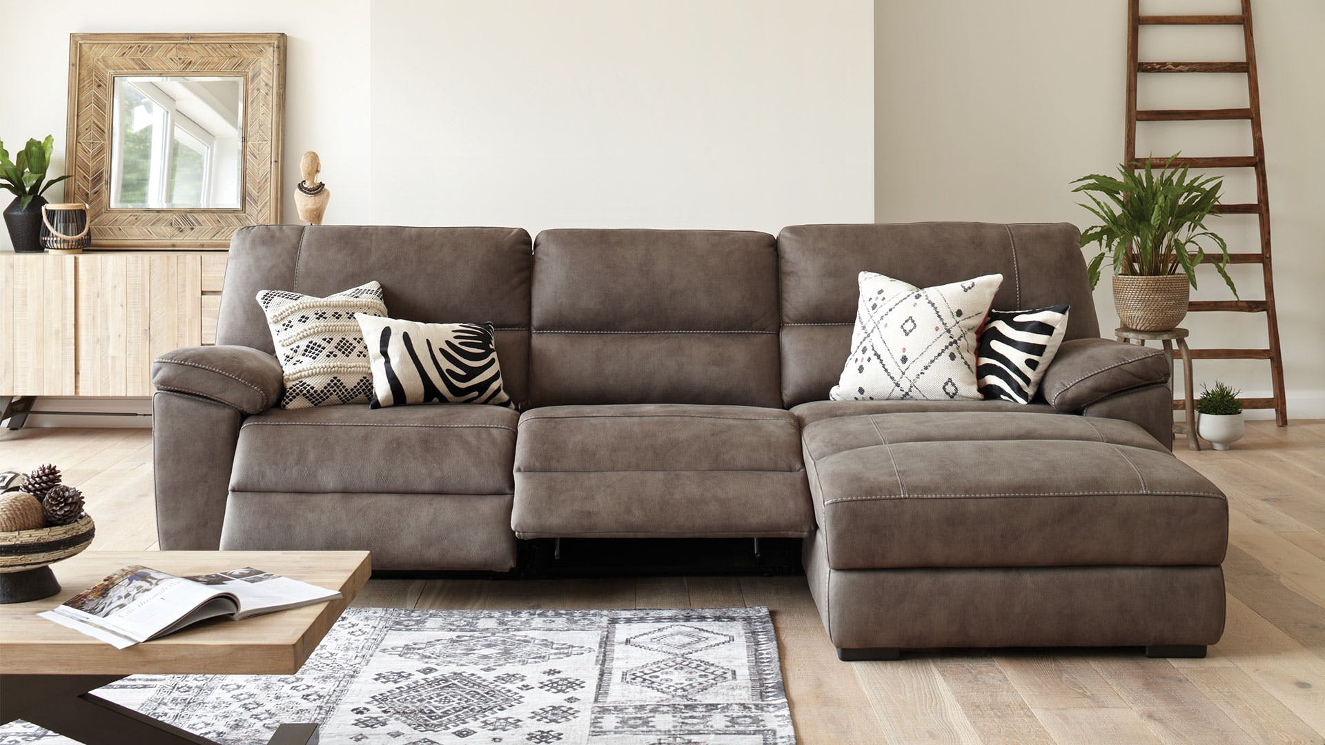 Reclining Sofa Designs With Cup Holders